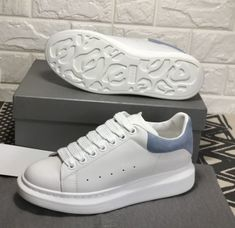 Sneakers Alexander Mcqueen Woman Shoes 57 Ideas- Lau&Co Moda Sneakers, Sneakers Mode, New Sneakers, White Sneakers, Sneakers Fashion, Fashion Shoes, Sneakers Style, Nike Fashion, Adidas Sneakers
