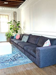 This modular sectional can be one long couch or sooooo may different L-shaped configurations! Narrow Living Room, Living Room Update, Living Room Sofa, Home Living Room, Living Room Designs, Extra Long Couch, Long Sofa, Couch With Chaise, Cool Couches