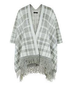 6030b4f0d5a2 Grey Check Fringed Hem Blanket Wrap   New Look Ourlet, Carreau, Veste,  Écharpe