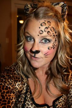 Some people love cute halloween makeup than scary makeup. Because make you look pretty, more sweet, adorable and will suit everyone. You feel pressured to do at least something glittery, painted, l… Cheetah Face Paint, Cheetah Makeup, Animal Makeup, Beautiful Halloween Makeup, Halloween Makeup Looks, Cute Halloween Costumes, Easy Halloween, Pretty Halloween, Cheetah Costume