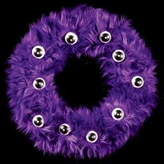 DIY Halloween Decor DIY Halloween Crafts: DIY Fur-ocious Wreath
