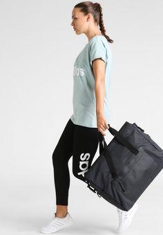 b46e52efc ¡Consigue este tipo de bolsas de deporte de Adidas Performance ahora! Haz  clic para