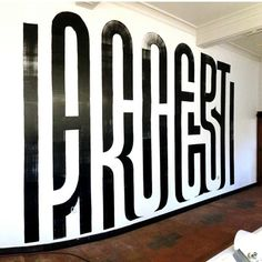 Crazy Wall by @guidodeboer. Can you find what is written?...