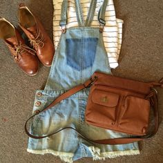 Forever 21 Jean Overalls size Small Adorable jean overalls size small (appx a 25/26) from Forever 21. So stylish right now pair with a striped shirt and booties or converse! Forever 21 Shorts Jean Shorts