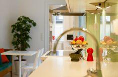 Lägenhet i Stockholm - Skeppsholmen Sotheby's International Realty Stockholm, Mirror, Furniture, Home Decor, Decoration Home, Room Decor, Mirrors, Home Furnishings, Arredamento