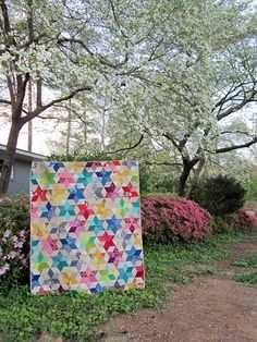 Starbright Quilt, definitely making this! Rainbow Quilt, Baby Quilts, Kid Quilts, How To Finish A Quilt, Diamond Quilt, Quilting Designs, Quilting Ideas, Quilt Stitching, English Paper Piecing