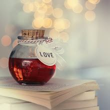 Love bottle by lieveheersbeestje.deviantart m. Tea Time Quotes, Life Quotes, Under Your Spell, Love Is, Bokeh Photography, Love Spells, Happy Endings, We Heart It, Fairy Tales