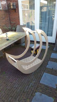 Homemade Pallet Half-moon Cradle DIY Pallet Bed Headboard & Frame