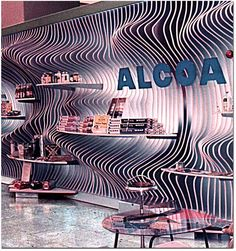 auto exhibit design - Google Search Pavilions, Booths & Exhibits are all temporary, so should be made from materials that won't go to a landfill. At the same time, they need to be solid, durable, lightweight and collapsible. http://blog.laqfoil.com/?p=963
