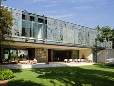 Arquiteto: Andrade Morettin Arch House, Amazing Spaces, Home Remodeling, Kitchen Remodel, Architecture Design, Exterior, House Design, Mansions, House Styles