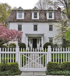 Inspirational Architecture--photo taken from Simply Seleta blog. This is the colonial in Father of the Bride, Steve Martin version.