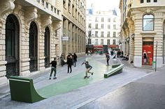 Rue Cladel Skatepark Paris, France Small street park in the heart of the city, only small but really unique. Urban Furniture, Street Furniture, Landscape And Urbanism, Landscape Design, Architecture Drawings, Architecture Design, Bmx, Public Space Design, Public Spaces