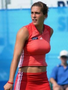 These are the 25 hottest female tennis players on the court today. We scoured to globe and broke our backs to find the best tennis hotties out there. Girls Golf, Ladies Golf, Athletic Women, Athletic Tank Tops, Petkovic, Beautiful Athletes, Tennis Players Female, Sporty Girls, Biker Chick