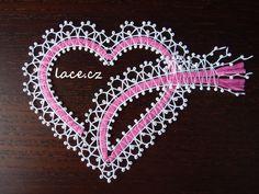 Doily Art, Bobbin Lace Patterns, Lace Heart, Lace Jewelry, Doilies, Lace Detail, Crochet, Images, Passion