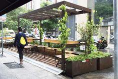 Parklet Oscar Freite, São Paulo, 2015, arquiteto Homã Alvico<br />Foto divulgação