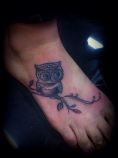 Cute owl!! Lovely placement. Not too big, not too small