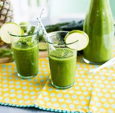 Mint Smoothie, Best Green Smoothie, Healthy Green Smoothies, Smoothie Drinks, Healthy Drinks, Smoothie Detox, Breakfast Smoothies, Pineapple Mojito, Healthy Eating Meal Plan