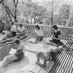 Women Reading - electronicsquid: Studying outdoors in Madison ...