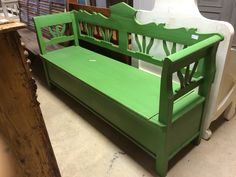 Antique Green Storage Bench With Beautiful Details.