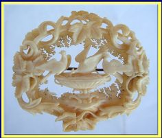 ANTIQUE VICTORIAN FINELY CARVED IVORY BROOCH