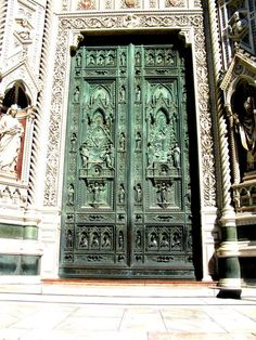 Florence, doors of the Duomo