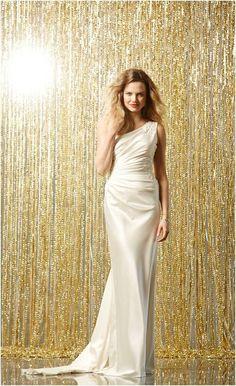 Wtoo Leda Style 11204 | Sleek one shoulder wedding gown