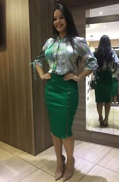 Executive Set made of Silk Blouse and Sattin Skirt, comes with belt, . Classy Work Outfits, Casual Outfits, Cute Outfits, Work Fashion, Modest Fashion, Fashion Dresses, Church Outfits, Office Outfits, Look Office