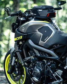 Yamaha Mt 09, New Android Phones, Ride Out, Cafe Racer Style, Motorcycle Travel, New Tank, Motorcycle Accessories, Quad, Bike