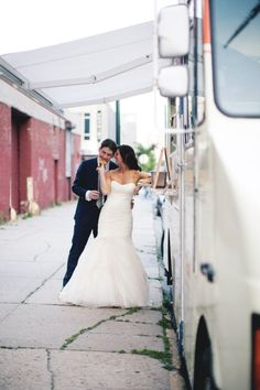 Such A Cute Photo of a Bride and Groom