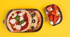 Mini pizza's, lekker erbij: stukjes watermeloen #gezondelunchtrommel #yourtips #goodfood