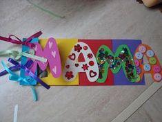 Φέτος η κάρτας μας για τη γιορτή της μητέρας,θα έχει στόχο την ανάπτυξη του Γλωσσικού τομέα! Συγκεκριμένα είναι προαναγνωστική δραστ... Mothers Day Crafts, Happy Mothers Day, Crafts For Kids, Thanksgiving Crafts, Holiday Crafts, Mother And Father, Spring Crafts, Craft Activities, School Projects