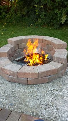 The idea for this fire pit started with a pic I saw here in Pinterest.