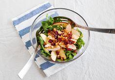 Salada de frango, rúcula, maçã e cranberry