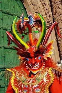 Bolivian Diablo Mask painted papier mache, glitter and glass Carnival, Oruro, Bolivia This mask covers a gamut of elements and principle. Inca Empire, Arte Tribal, Folk, Peru Travel, Conquistador, Resident Evil, Wonderland, Lion Sculpture, Colours