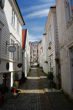 Walk the picturesque streets of Bergen