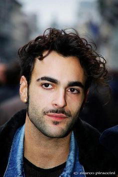 Marco Mengoni http://durimarcomengoni.blogspot.it/2013/02/scateniamo-il-televoto.html?noredirect=1#comment-form #bellenziale