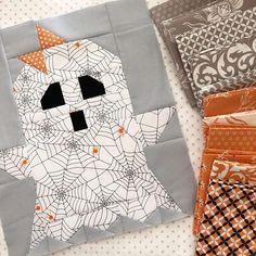 Quilt Block Patterns, Pattern Blocks, Quilt Blocks, Patchwork Patterns, Stitch Patterns, Halloween Pillows, Halloween Quilts, Halloween Blocks, Halloween Crafts