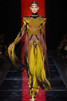 See all the Collection photos from Jean Paul Gaultier Autumn/Winter 2012 Couture now on British Vogue Couture Fashion, Runway Fashion, Fashion Beauty, Fashion Week, Fashion Show, Mode Costume, French Fashion Designers, Mellow Yellow, Couture Collection