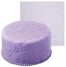 Star Power fondant imprint mat by Wilton Cake Decorating Courses, Cake Decorating With Fondant, Fondant Decorations, Cake Decorating Techniques, Cookie Decorating, Wilton Cakes, Fondant Cakes, Cupcake Cakes, Fondant Tools