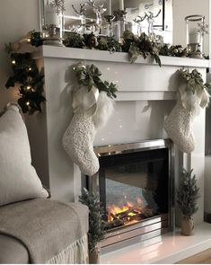 Christmas Fireplace, Christmas Mantels, Christmas Themes, Christmas Tree Decorations, Christmas Holidays, Holiday Decor, Happy Holidays, Christmas Stockings, Rochester Homes