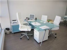 1000 images about decoraci n de oficinas on pinterest for Como decorar una oficina de abogados