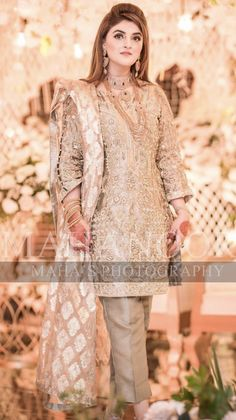 Bridal Mehndi Dresses, Pakistani Wedding Outfits, Wedding Dresses For Girls, Party Wear Dresses, Pakistani Dresses, Beautiful Dresses For Women, Nice Dresses, Awesome Dresses, Pakistani Dress Design