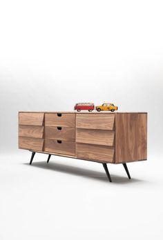 Dresser / cupboard / credenza in solid board oak / walnut