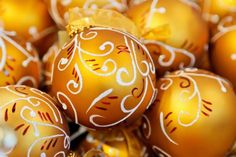 gold christmas ball background image