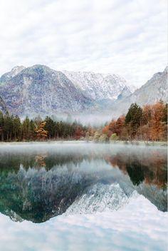 Perfect autumn mist. Gabriella Hoell Photography | @gabriellahoell Bluntausee, Salzburg, Austria