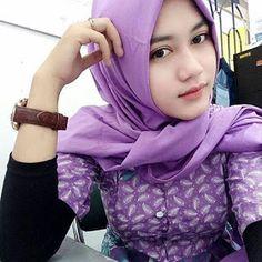 Hijaber Smile: Beautiful Hijab Girl Loving You Beautiful Hijab Girl, Nurse Costume, Islamic Girl, Sexy Nurse, Turkish Fashion, Girl Hijab, Hijabi Girl, Sexy Girl, Muslim Women