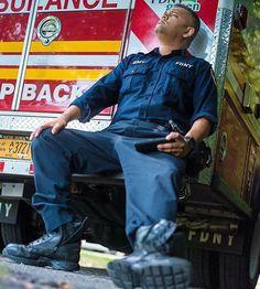 FEATURED POST   @newyorkcityems -  #fdny #fdnyems . . TAG A FRIEND! http://ift.tt/2aftxS9 . Facebook- chiefmiller1 Periscope -chief_miller Tumbr- chief-miller Twitter - chief_miller YouTube- chief miller  Use #chiefmiller in your post! .  #firetruck #firedepartment #fireman #firefighters #ems #kcco  #flashover #firefighting #paramedic #firehouse #firstresponders #firedept  #feuerwehr #crossfit  #brandweer #pompier #medic #firerescue  #ambulance #emergency #bomberos #Feuerwehrmann…