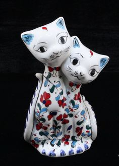 Turkish Tiles, Cat Art, Garden Sculpture, Objects, Cats, Paint