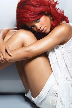 Instagram cancelo la cuenta de Rihanna http://notiespectaculos.info/instagram-cancelo-la-cuenta-de-rihanna/