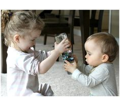 Sensory Discovery Bottles for Baby/Infant or Toddler from Fun at Home with Kids older sibling adjustment activity as well Craft Activities For Kids, Sensory Activities, Infant Activities, Motor Activities, Kid Crafts, Toddler Fun, Toddler Toys, Toddler Playroom, Montessori Toddler